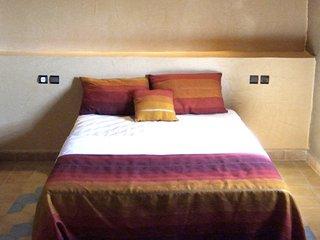 Chambre  double, salle de bain individuelle et climatisation