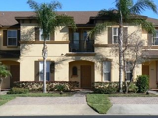 4 Bedroom Premium TownHome with open water view and close to Disney