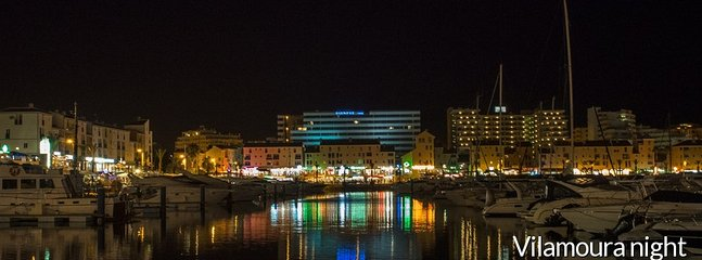 Marina por la noche