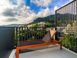 Patong sea-view apartment with 2 pools, near beach and nightlife! 252