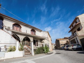 House - 25 km from the beach, Villamassargia