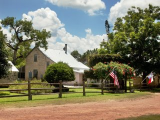 Palo Alto Creek Farm - Itz House