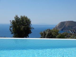 Casa Rama del Olivo-Luxury Villa with pool & Airco, La Herradura