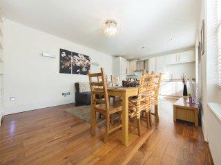 2 Bedrooms   2 Bathrooms Apartment in Regent's Park/King's Cross   #BH9303, London