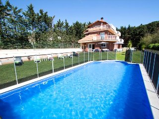 Villa Llavaneres for up to 20 guests, only 2km from the beach and Mediterranean