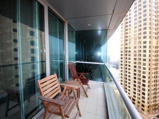 Signature Holiday Homes- Luxury 3 Bedroom Apartment, Al Fattan Tower