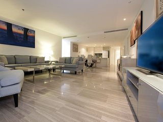 Signature Holiday Homes- Luxury 3 Bedroom Apartment, D1 Residences