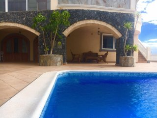Fantastic Villa with Breathtaking OceanView View and heated Swimmingpool