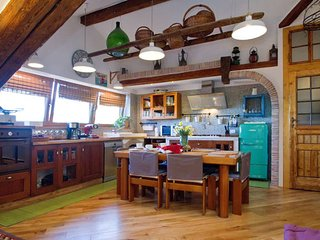 Bellissimo appartamento mansardato, in una villa del 1850 tra mare e bosco.