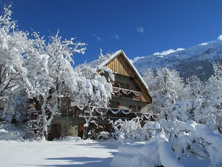 CATERED CHALET SOLNEIGE
