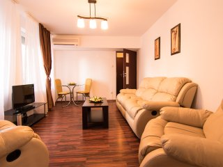 Deluxe downtown apartment for business travel in Bucharest