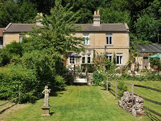 Fishermens Retreat, Cosy and Tranquil 2 Bed Cottage Retreat near Bath