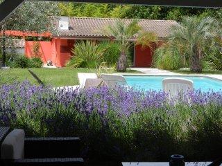 Villa de charme avec piscine près de Bordeaux