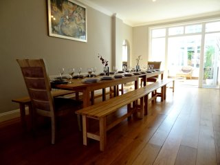 The Beachside House - Large Group Self Catering Hove