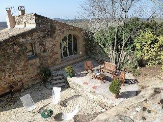 Maison Vidoni, de charme, entierement renovee, 30700 la Capelle et Masmolene