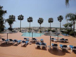 1 Bed Penthouse Apartment in Porto de Mos - Fantastic Sea Views - Free Wifi