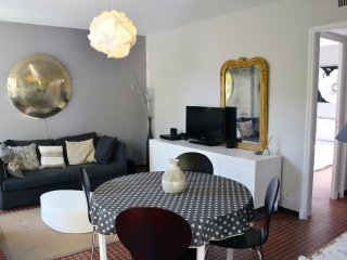 Holliday house downtown Saint Remy, parking, garden, wifi