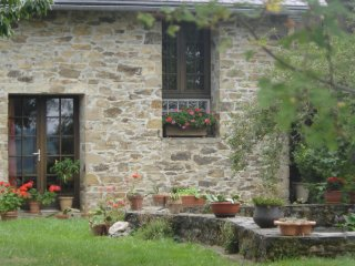 Maison de Campagne (10 pers) au calme, au coeur du Segala, Aveyron