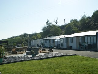 The Retreat luxury Holiday Accommodation with Fantastic views and a Hot Tub