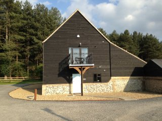 Wideham View is a comfortably fully-furnished self-catering holiday home., West Stow