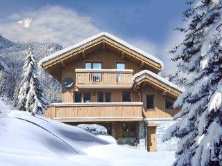 Ski chalet - 6 En-suite Bedrooms and Hot-tub!, Meribel