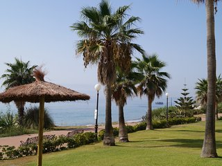 Apartamento primera linea Estepona Costa del sol WIFI Beach House