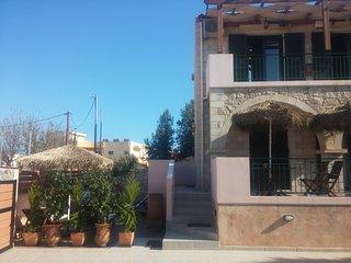 Villa Constancia and Christy, Stalos