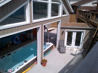 Hydro Pool With 1 Bedroom Apartment, Kitchener