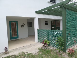 1 Bedroom  Apartment in  BEACHFRONT HOUSE  on BEST BEACH in EXUMA sleeping 2-4