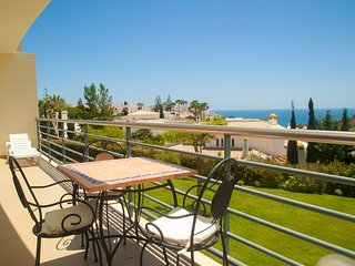 SEA VIEW APARTMENT IN ALBUFEIRA NEAR OLD TOWN AND