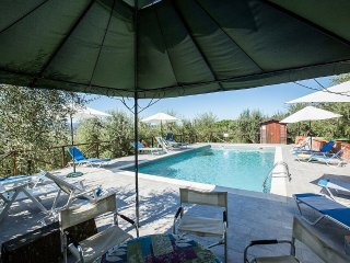 Mattone Villa Sleeps 18 with Pool and WiFi - 5228378