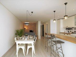 Trindade Cozy apartment in Santo Ildefonso with WiFi & lift., Porto