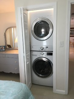 Stack Washer/dryer in 3rd Bedroom