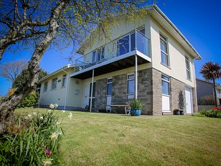 Awel y Bryn, St Davids, 5 bedrooms, sleeps 9.