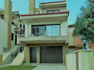 Villa Kristy, Kallithea