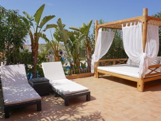 Beach retreat 2 bed apartment in Cala Tarida