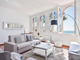 Be Apartment - Elegant and bright luxury apartment with sea views. 2 bedrooms an