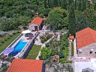 4 bedroom Villa in Gruda, Dubrovačko-Neretvanska Županija, Croatia : ref 5040047