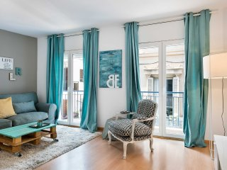 Be Apartment - Elegant luxury apartment. 2 bedrooms and 2 bathrooms. Located in
