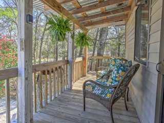 NEW! 1BR Ocean Isle Beach Cottage w/Outdoor Space!