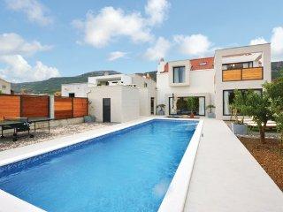 5 bedroom Villa in Trogir-Kastel Luksic, Trogir, Croatia : ref 2375959
