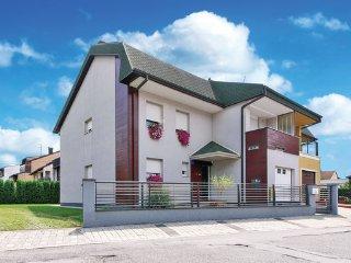 5 bedroom Villa in Velika Gorica, Zagreb, Croatia : ref 2376509