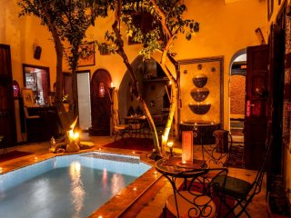 *COSY RIAD* IN THE HEAR TOF MARRAKECH*  11 ROOMS & SUITES * UP TO 28 PEOPLE *