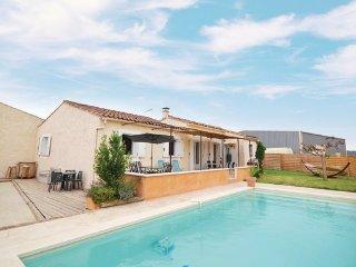 4 bedroom Villa in Maubec, Vaucluse, France : ref 2377298