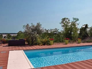 3 bedroom Villa in Bourg, Gironde, France : ref 2377505