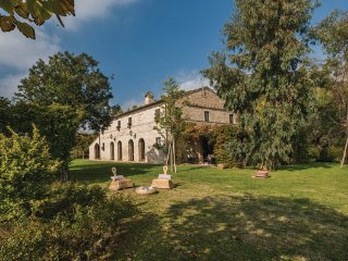 6 bedroom Villa in Macerata, Marches Countryside, Italy : ref 2377578, Piediripa