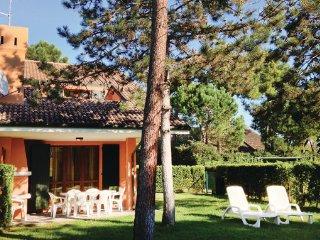 3 bedroom Villa in Albarella, Veneto Coast, Italy : ref 2377969
