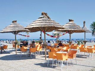 3 bedroom Villa in Albarella, Veneto Coast, Italy : ref 2378105, Isola Albarella