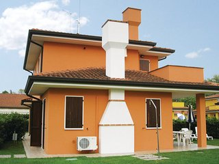 2 bedroom Villa in Albarella, Veneto Coast, Italy : ref 2377635