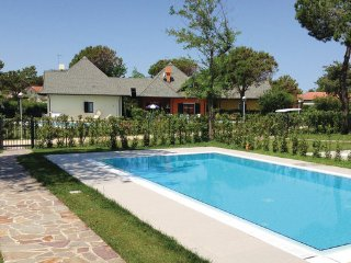3 bedroom Villa in Albarella, Veneto Coast, Italy : ref 2377636